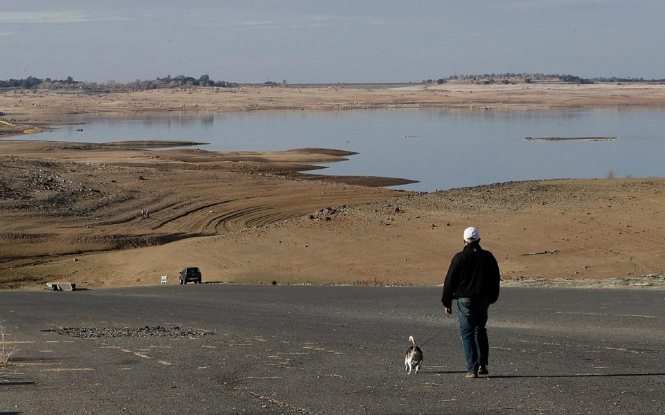 Folsom Lake in extreme drought, 2014